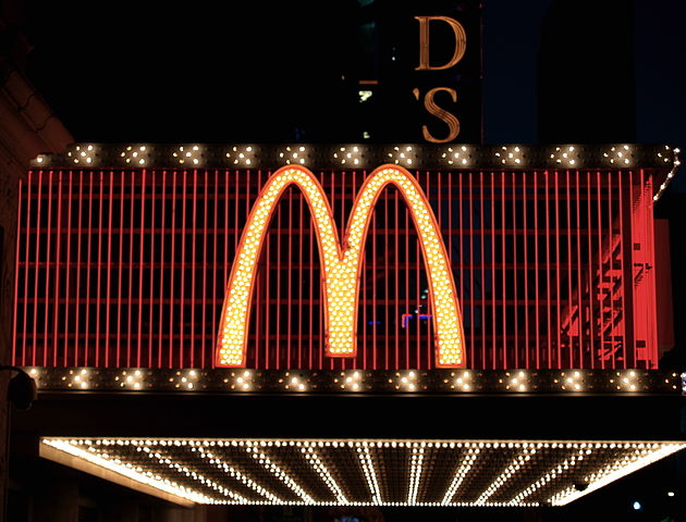 630px-MacDonalds_sign_in_Times_Square